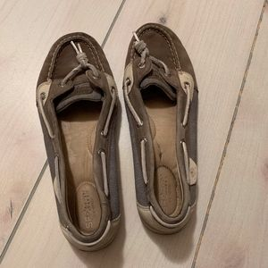 womens Sperry boat shoes 9 tan grey slip on